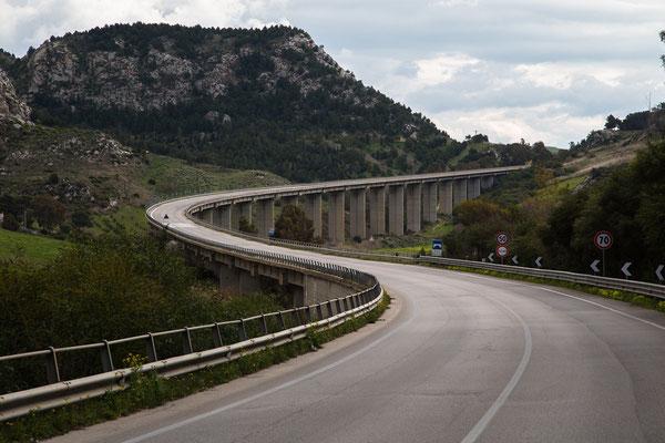 Die SS115, die schönste Straße im Süden von Sizilien. ( Es kam hinter mir lange nichts, da habe ich kurz gehalten )