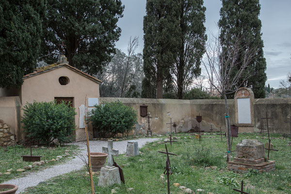 Alte Friedhof mit Grabmal von Nonna Lucia