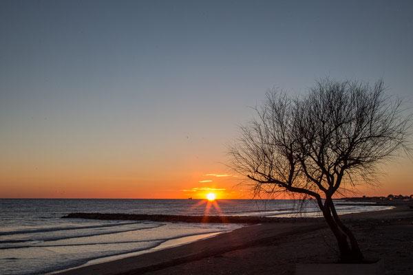 Sonnenuntergang am Lido di Latina