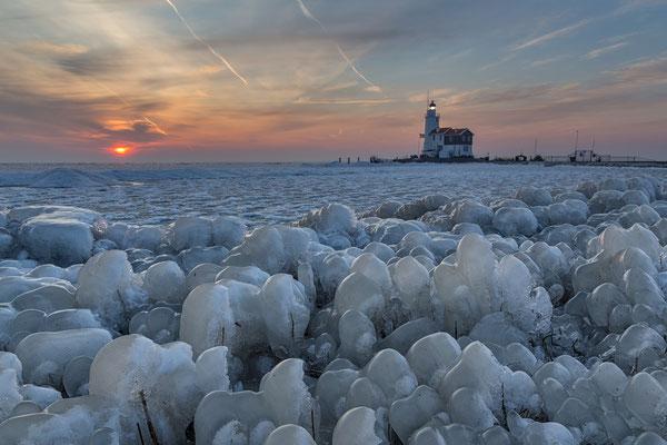 Natural ice sculptures, Paard van Marken