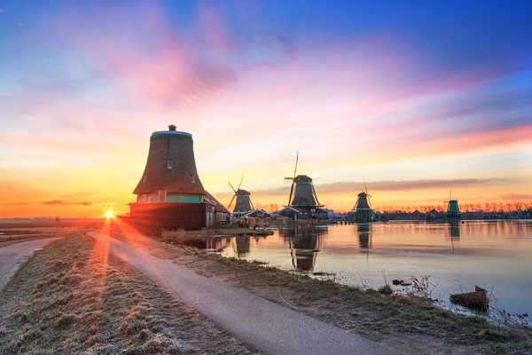 Sunrise at Zaanse Schans