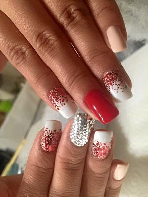 Weiß-rot sparkling und variierende French Nails