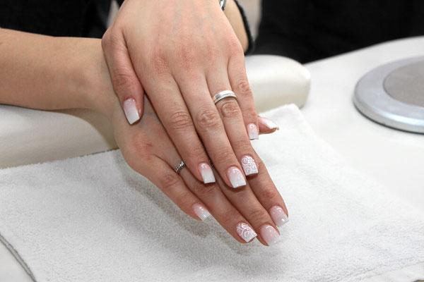 American Nails im eleganten Desing mit Strass Steinen