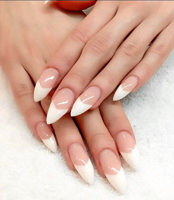 Spitz zulaufende French Nails