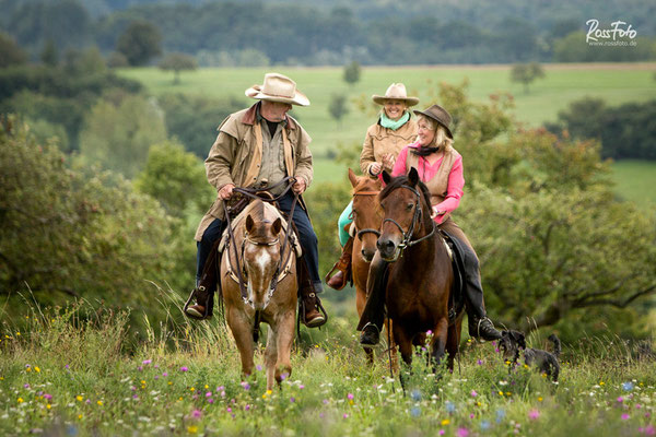 RossFoto Dana Krimmling, Alice en selle, Wanderreiten in den Hochvogesen, Alsace, Elsass, Balade en cheval, Randonnée en cheval