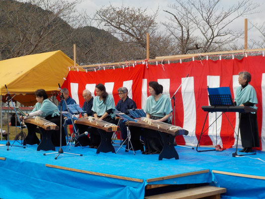 生田流実宮城会竹内社中 琴尺八演奏。