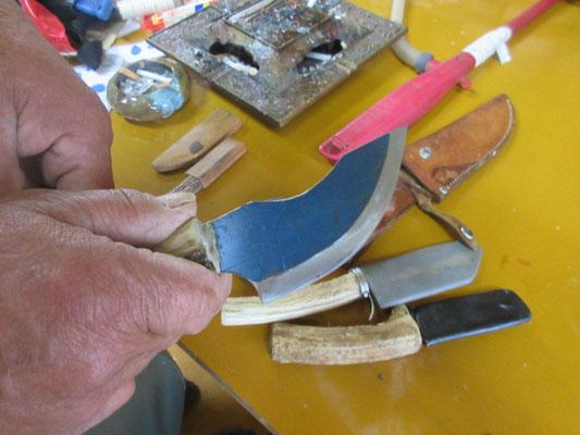 手作りの皮むき用ナイフ