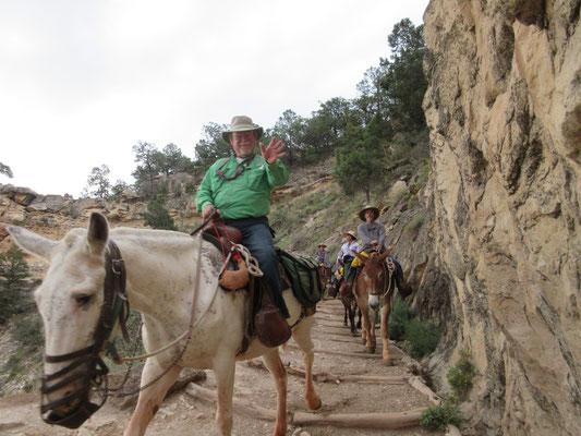 渓谷を降りるのは簡単ですが、、、、帰りが大変です。
