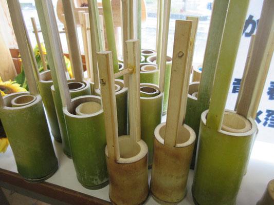 遠方からのご訪問者に、竹の一輪挿しを差し上げています(数限定)。