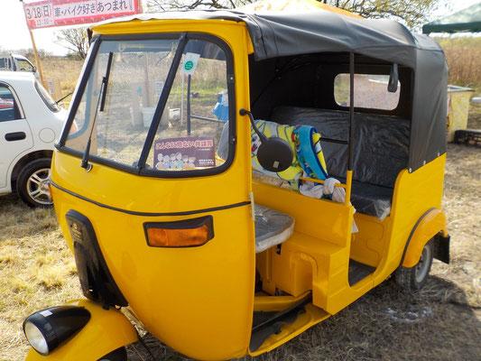 インド製 オートリキシャ