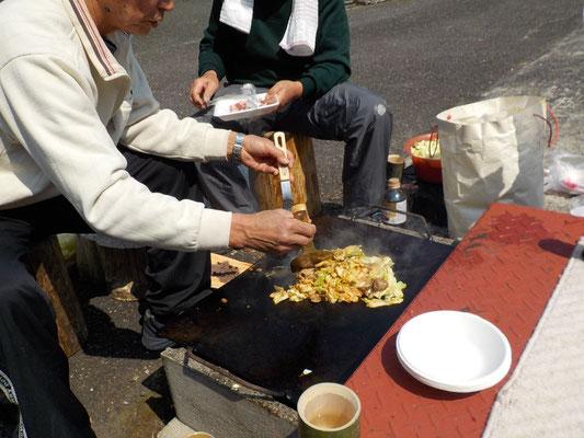 一人千円会費のバーベキュー。