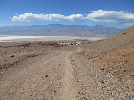 観光道路だからと云って舗装道路ではありません。