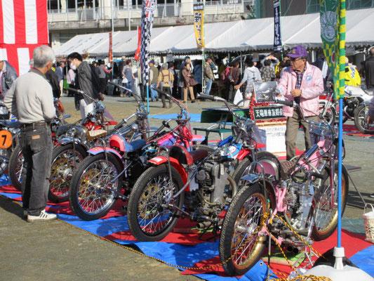 オートレースで活躍したバイク達。
