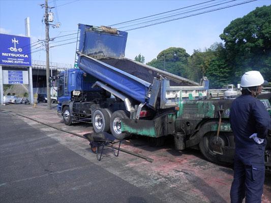 Y㈱様 駐車場舗装工事-2