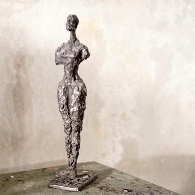 arte figura | Gia (Bronzefigur) | Bronze, 25 cm hoch