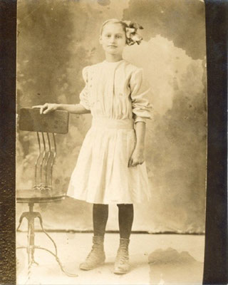 Virgie Mae PIERCE (b Apr 2, 1901, Franklin Co.; d Oct 11, 1985; burial Belmont Cemetery, Fresno, CA). Photo circa 1910, Franklin Co.