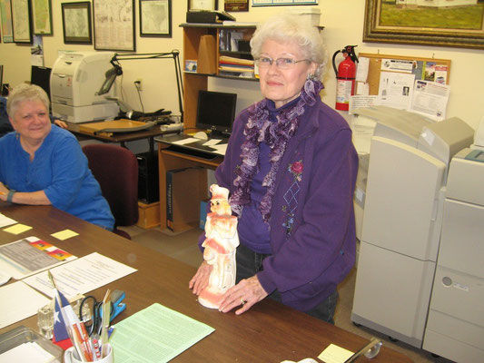 Sue Bolin at the FCGS Show & Tell program, January 2016