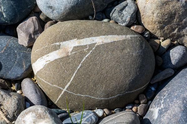 Sandstein mit Kalzitadern