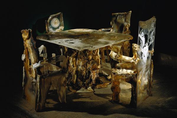 """""""La belle et la bête"""" table hauteur 73cm plateau 140x140cm"""