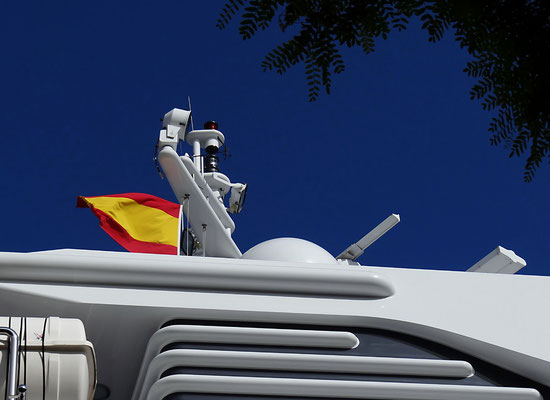 Barcelona 2012 - Yacht im Hafen by Ralf Mayer