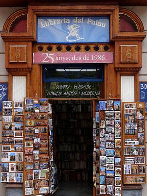 Barcelona 2012 - Zeitschriftenladen by Ralf Mayer