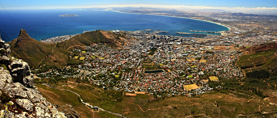 VIEW - TABLE MOUNTAIN - CAPE TOWN