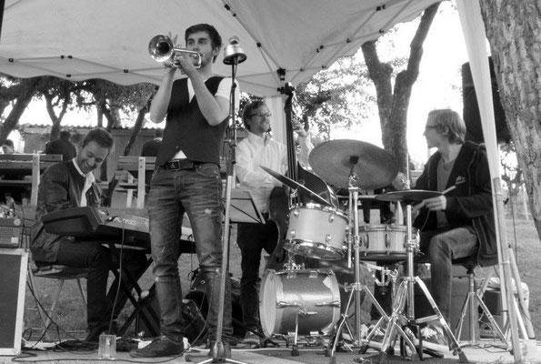 Seit 2013 spielen die jungen Jazzmusiker aus Graz auf verschiedenen Veranstaltungen in der Steiermark und ganz Österreich.