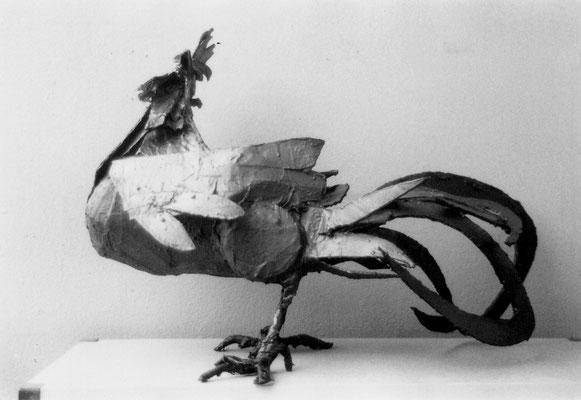 OMAGGIO A LUCIANO MINGUZZI (il gallo) - 2008 - acciaio, cartone, resina - 50x72x30