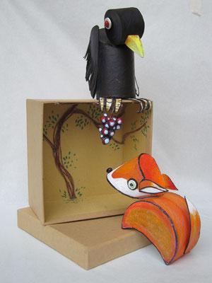LA VOLPE E L'UVA  (scultura da viaggio) - 2012 - imballaggi di recupero - 16x8x8