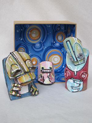 presePOP 1 (scultura da viaggio) - 2012 - imballaggi di recupero - 16x16x8