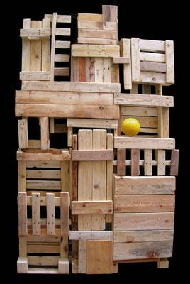 CONDOMINIO 2008 (parete mobile) - legno di recupero, resina - 215x140x50