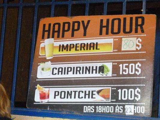 Happy Hour im Pub Calema. Santa Maria. Insel Sal. (C) Bubig & Neumann Kreativ-Verlag GbR.