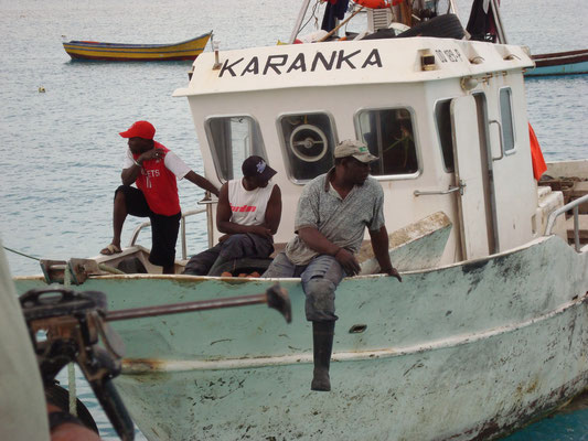 Fischerboot in Santa Maria. Insel Sal. (C) Bubig & Neumann Kreativ-Verlag GbR.