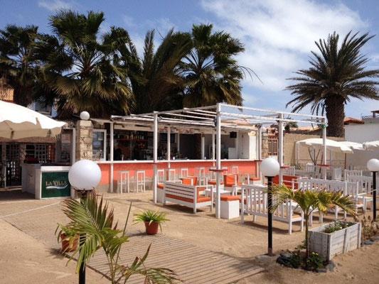 "Beachbar ""La Villa"". Santa Maria. Kapverdeninsel Sal. (C) Bubig & Neumann Kreativ-Verlag GbR."