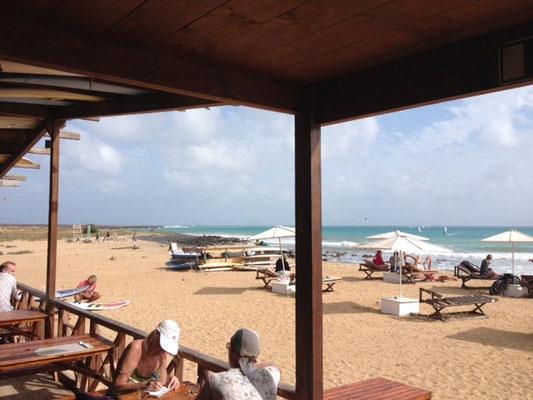 Angulo Beachclub. Santa Maria. Insel Sal. (C) Bubig & Neumann Kreativ-Verlag GbR.