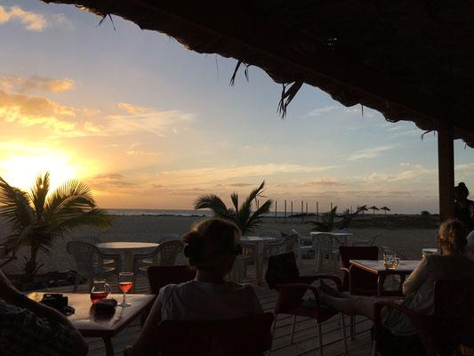 Ponta Preta Restaurant am Abend. (C) Bubig & Neumann Kreativ-Verlag GbR.