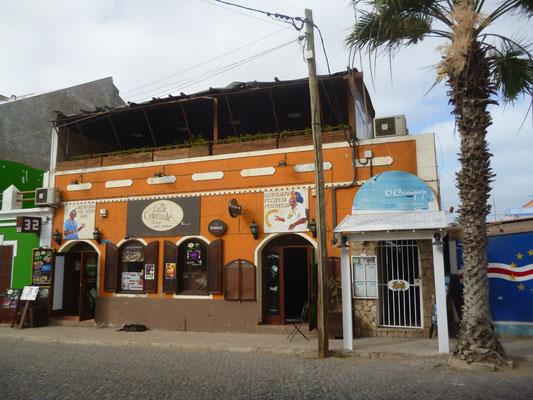 Cafe Colonial. Santa Maria. Insel Sal. (C) Bubig & Neumann Kreativ-Verlag GbR.