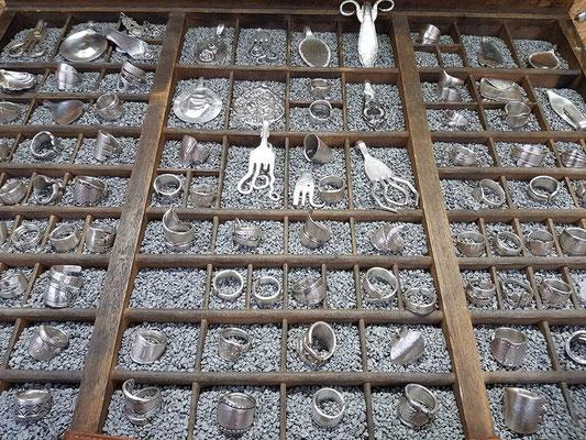 Sortiment Ringe Silber Besteck