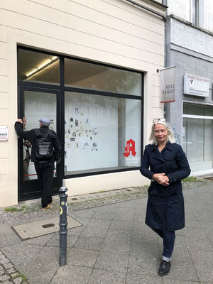 Akutsprechstunde: Laura Bruce In action on May 28, 2021. Moderation: Stefano Gualdi