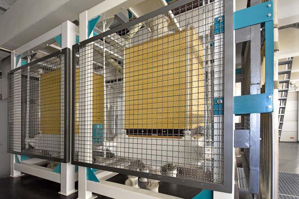 in der hofeigenen Getreidemühle wird hochwertiger Dinkel- und Hartweizengries hergestellt