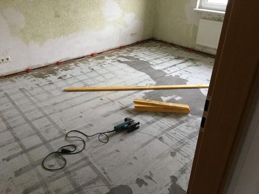 Abriss Fußbodenbelag ALT