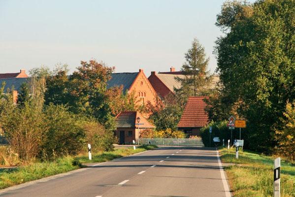 Garz - Dorfeinfahrt aus Richtung Warnau
