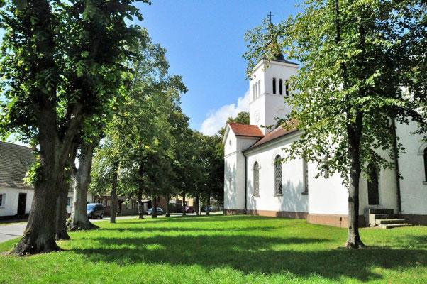 Kirche in Warnau