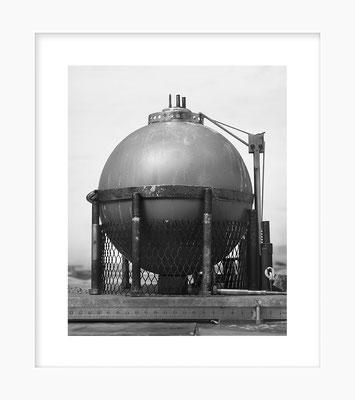 Ustensiles: Globe Plafonnier, 24 X 30 cm sous passe de 36 X 42 cm, 2018