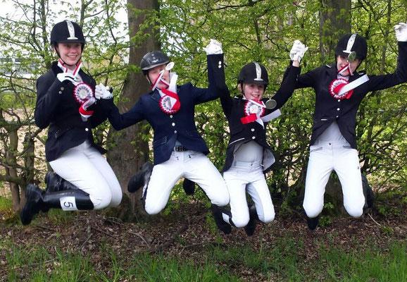 Zweiter im Jugendcupfinale! Emily Fuchsberger, Merle Vahland, Kira Gräbe und Louisa Tent