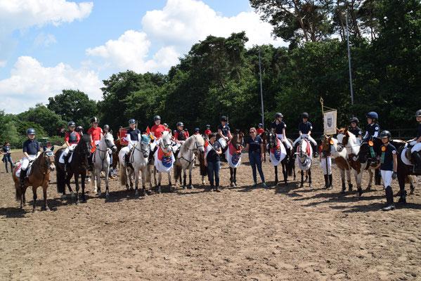 """Louisa's  Mannschaft (Hessen III) wurde 3. bei der """"kleinen Schärpe"""" in Höven"""
