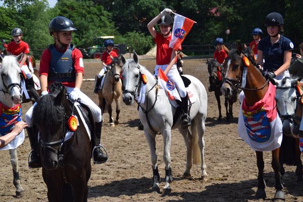 Louisa Tent mit Mira auf den Bundesponyspielen in Höven