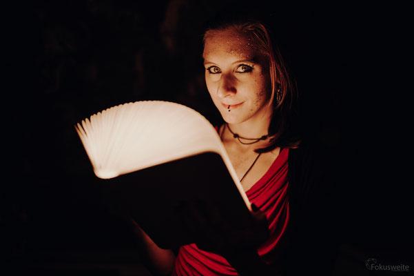 Lichtblicke im Zauberbuch, Foto: Fokusweite