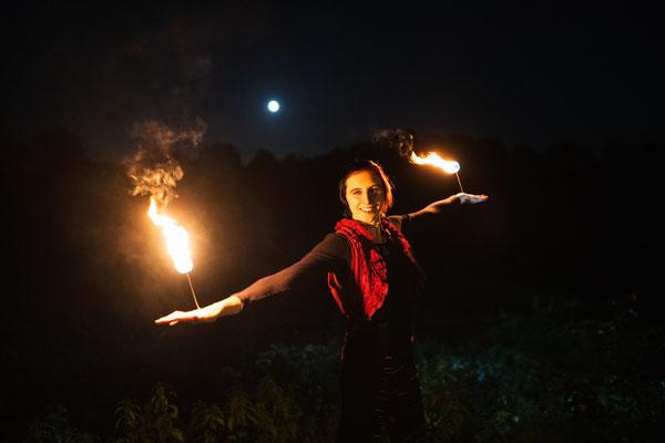 Feuershow bei Nacht, Foto: Daniel Tetzel