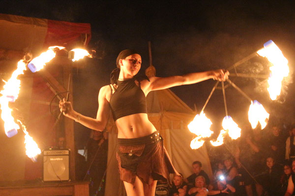Feuertheater beim M'era Luna Festival in Hildesheim